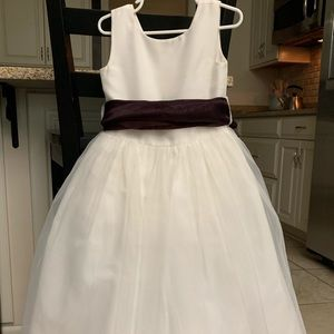 Girls Flower Girl Dress with Purple Sash, Size 4.